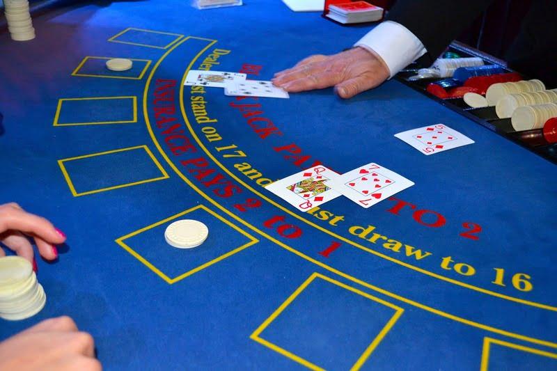 Så spelar du Blackjack på casinon